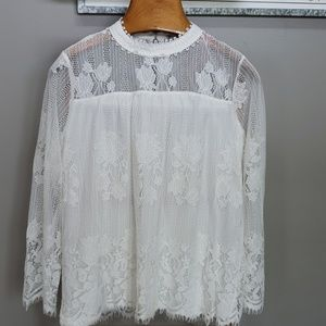 NWT Ultra Pink lace top in ivory